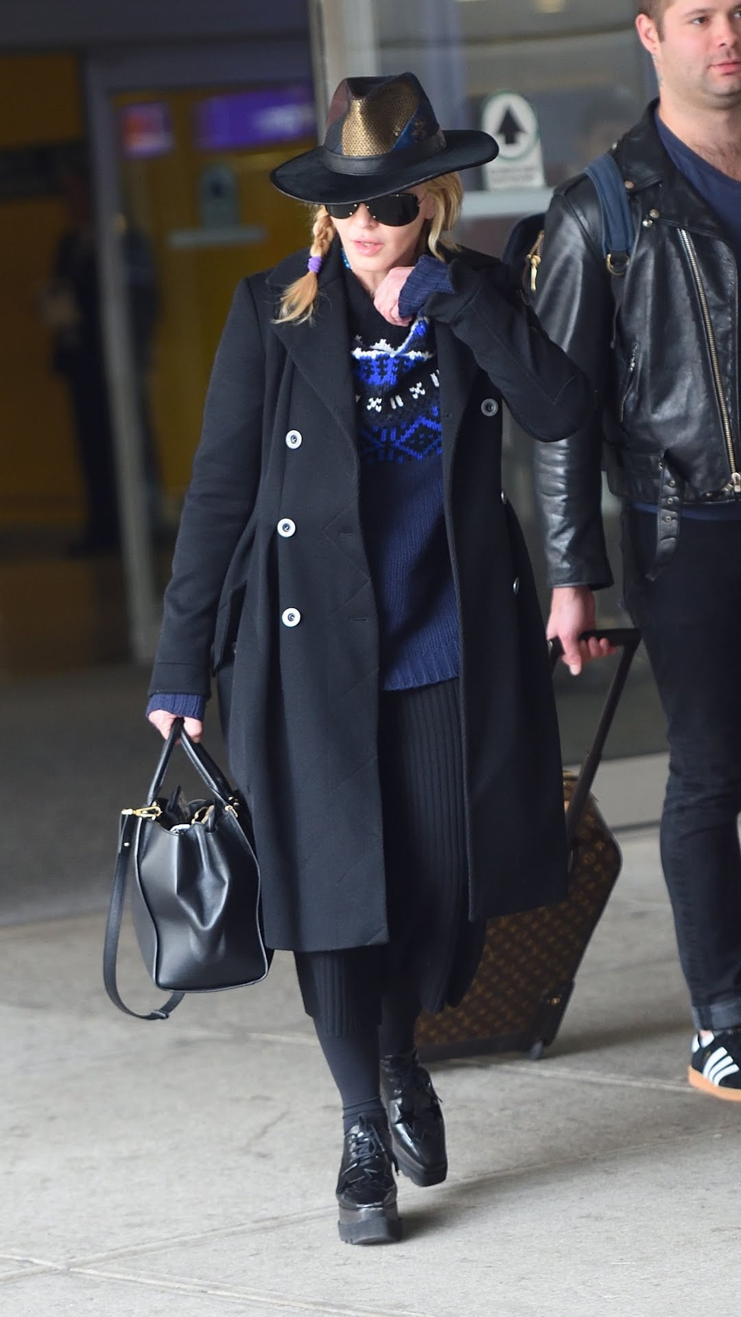 madonna-celebrity-airport-style-story.jp